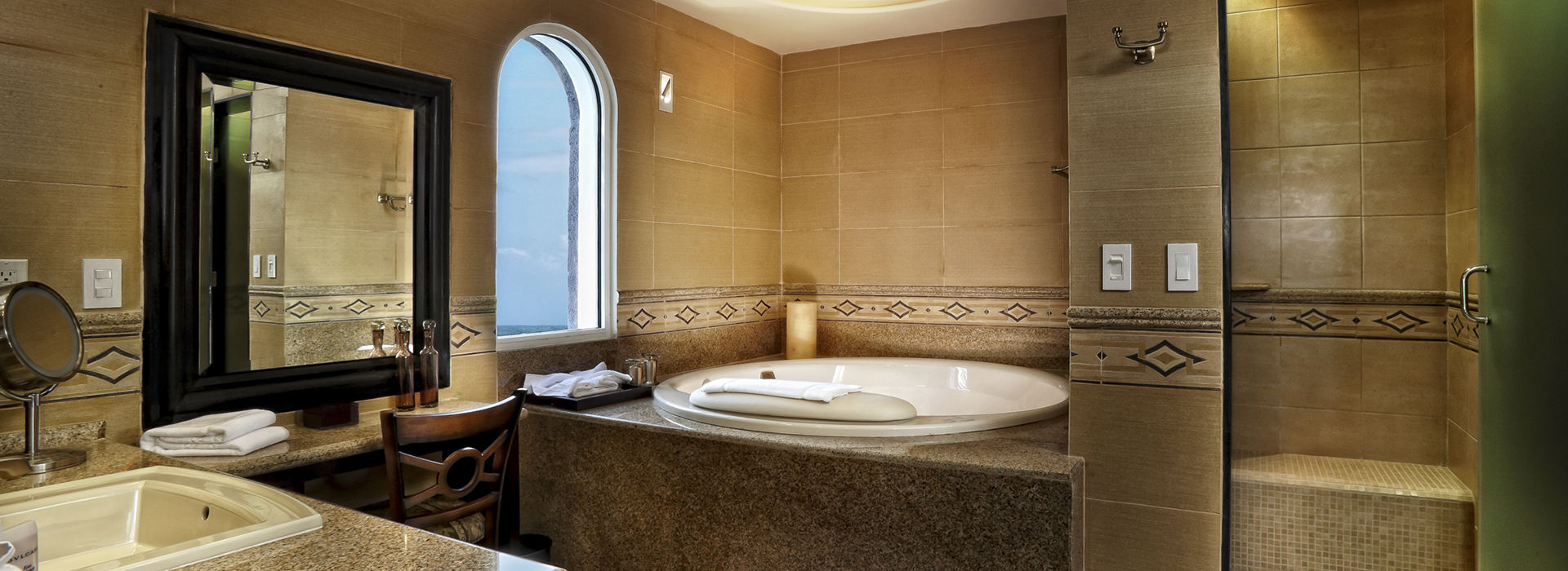 Luxury bathroom with Jacuzzi in Riviera Maya
